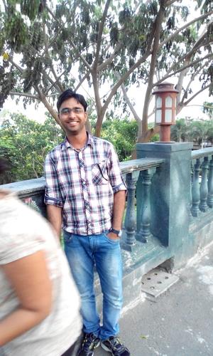 Utkrasht Shrivastava Travel Blogger