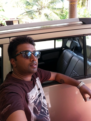 Sumit Travel Blogger