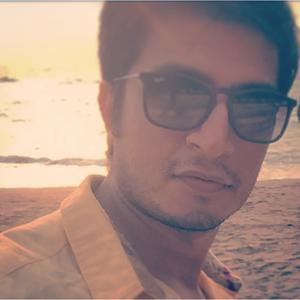 Manish Modiani Travel Blogger
