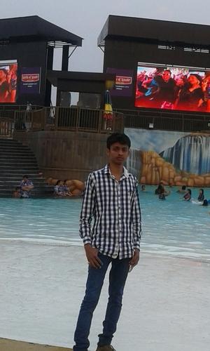 Akash Garg Travel Blogger
