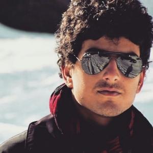 Manan Hashim Travel Blogger