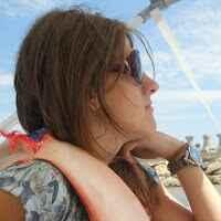 Alice C Travel Blogger