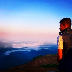 Narkotics Natwarlal Travel Blogger