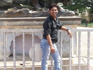 Ashish Soni Travel Blogger