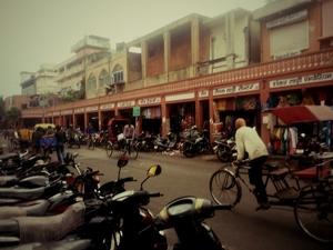 Jaipur Walking Tour- A walk to peep into history!