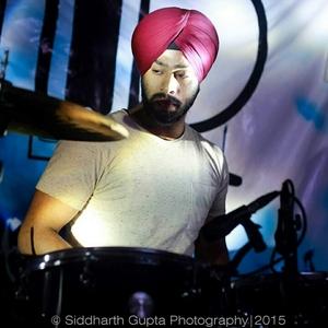 Eishnoor Singh Travel Blogger