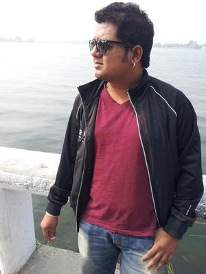 Aseem Parikh Travel Blogger