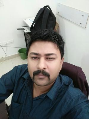 Saket Narayan Travel Blogger