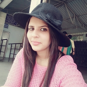 Himani Thakkar Travel Blogger
