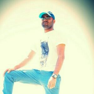 Molli Swaroop Travel Blogger
