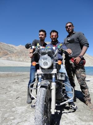 Moiz Hussain Travel Blogger