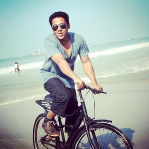 yasser arafath Travel Blogger