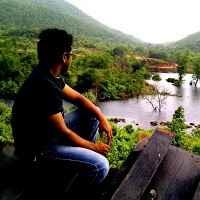 Ratna Manoj Travel Blogger