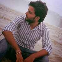 pranav pandey Travel Blogger