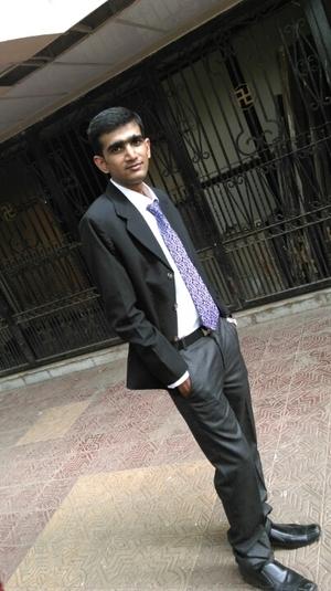 Miten Shah Travel Blogger