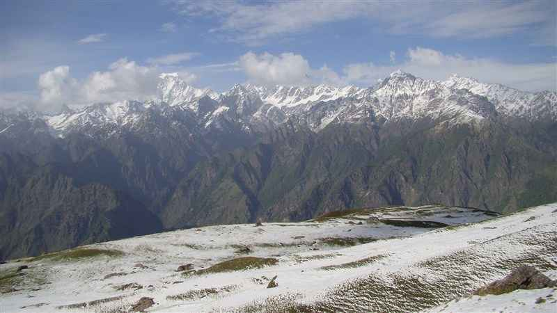 7 Great Indian Himalayan Trails To Trek With Your Family
