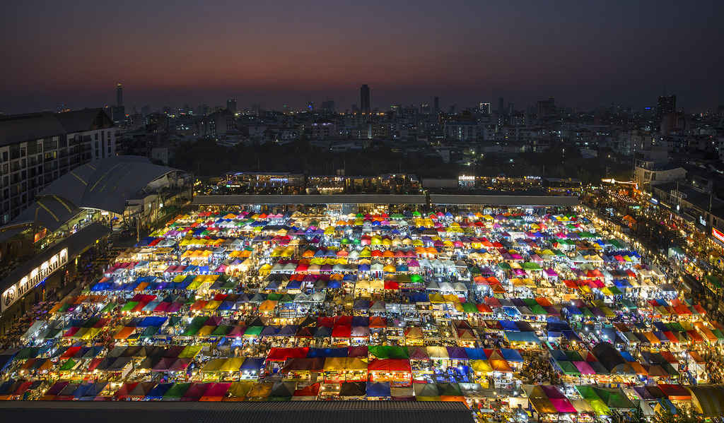Call Yourself a Shopaholic? Have You Visited These Night Markets in Asia?