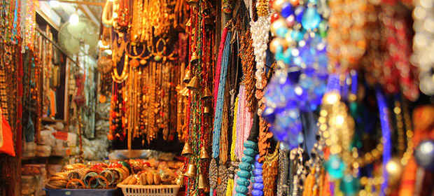 15 Wholesale Markets In Mumbai Where To Shop For Clothes Electronics Cosmetics And More Tripoto
