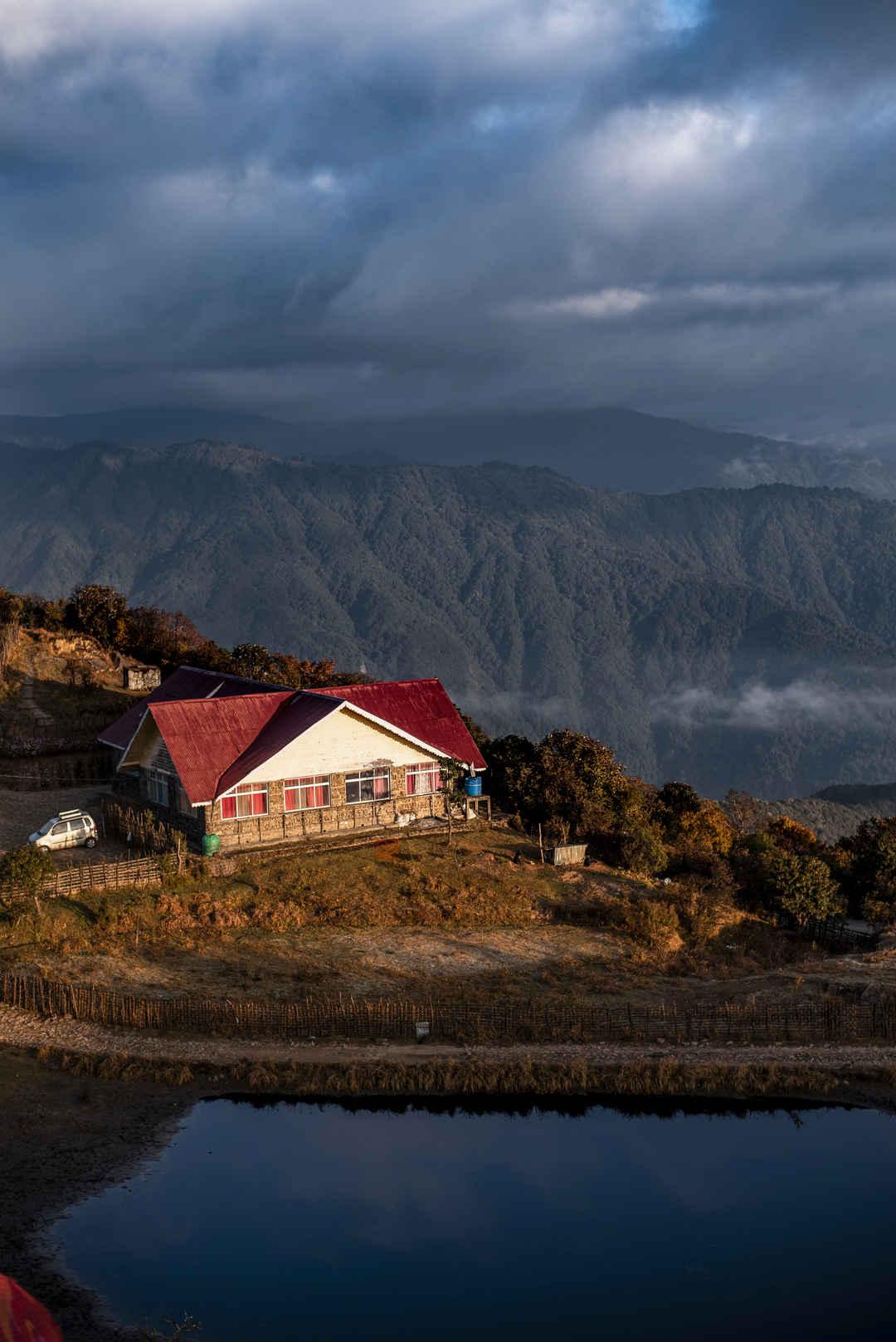 Sandakphu   Tonglu - The Mountain Tales