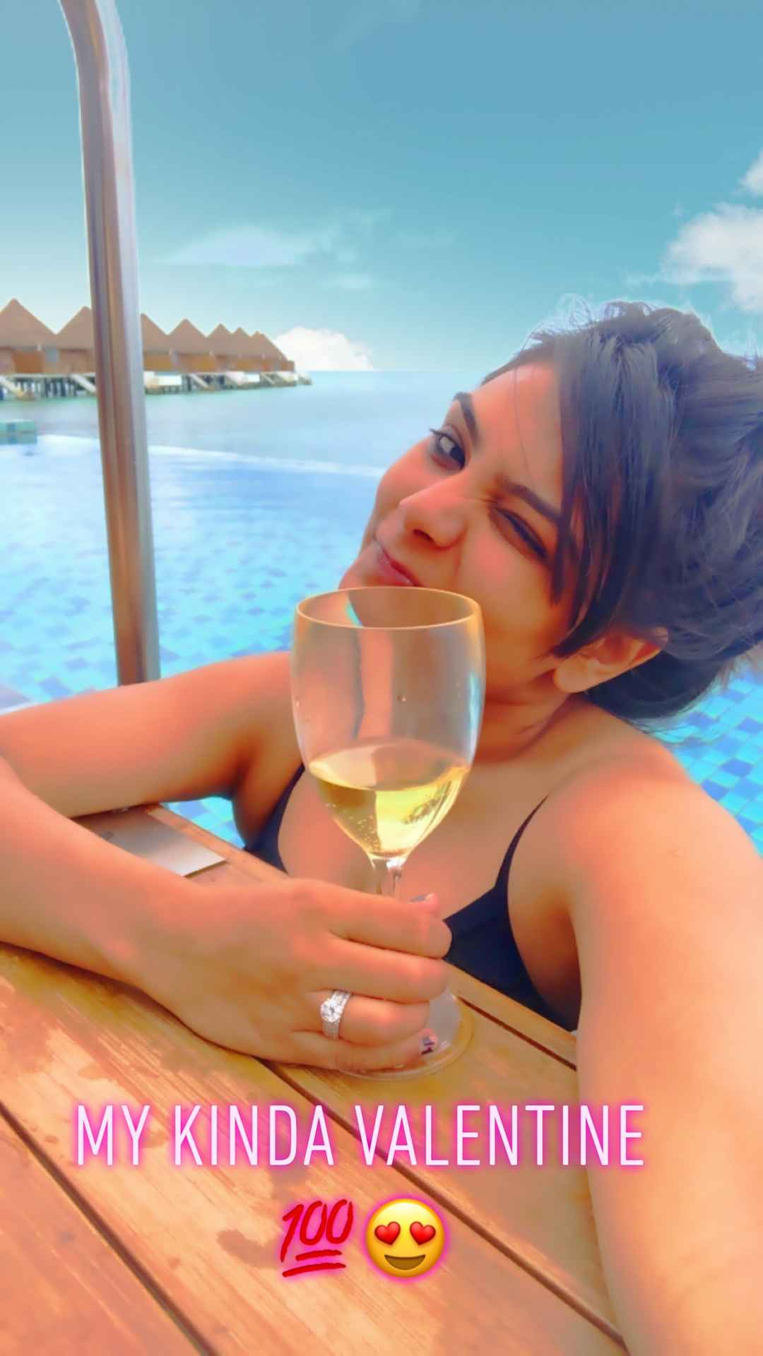 Maldives ???????? Valentine selfie ???? With breathtaking view ????from my villa#selfiewithAview#tri