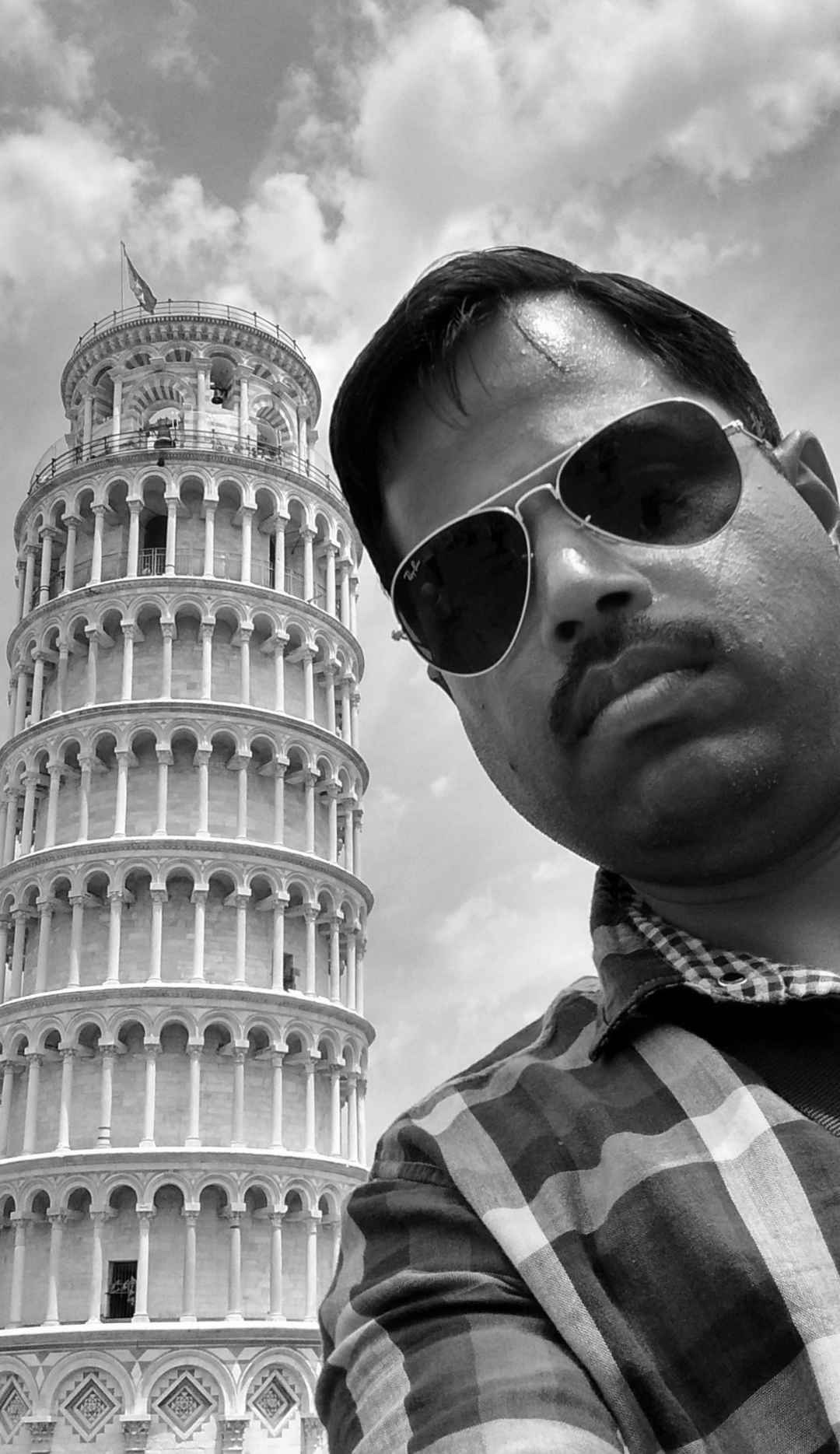 Me leaning on Pisa #SelfieWithAView  #TripotoCommunity