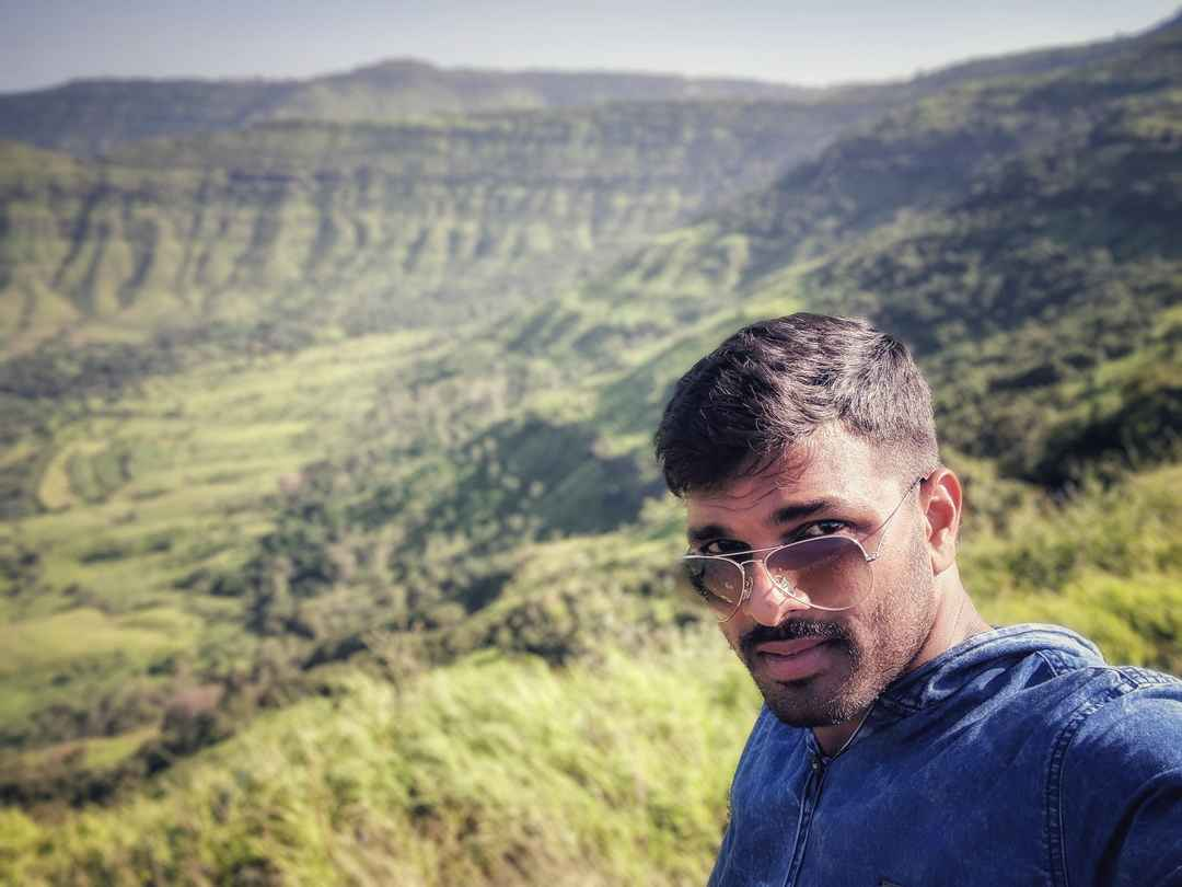 Selfie with the marvelous Western Ghats #SelfieWithAView #TripotoCommunity