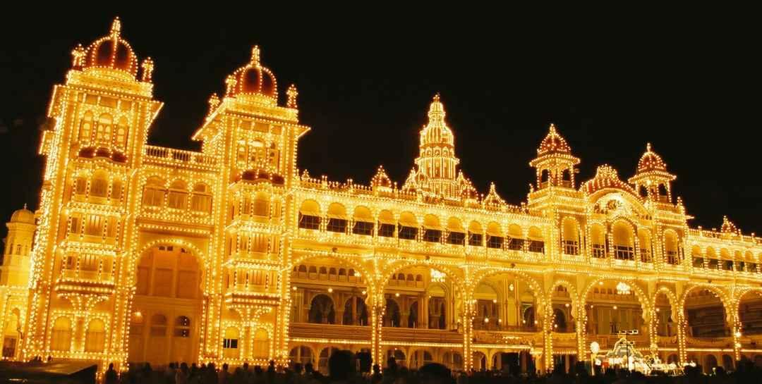 आने वाले 9 दिन उत्सवों के रंग में रंगेगा इंडिया