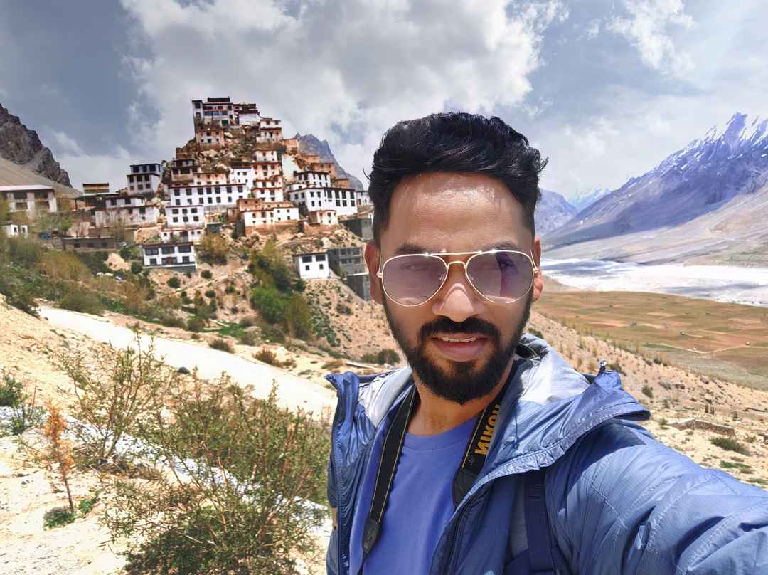 Wondrous Key monastery, flawless cold desert valley, that's Spiti #TripotoCommunity #SelfieWithAView