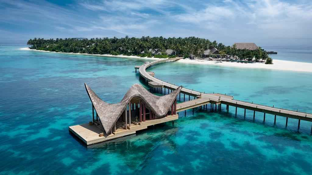 Take a Look at This Dream-Like Luxurious Resort in the Maldives!