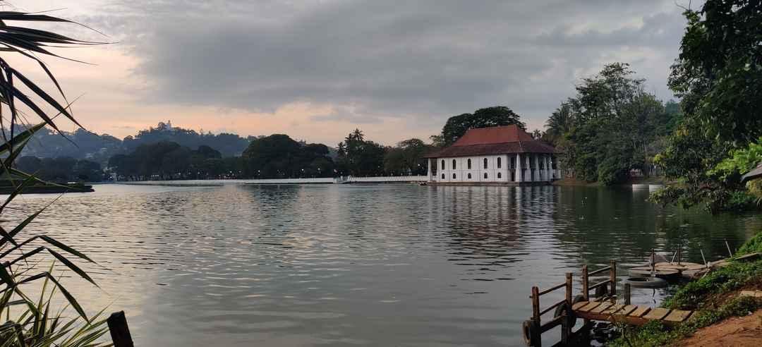 Kandy lake, Srilanka