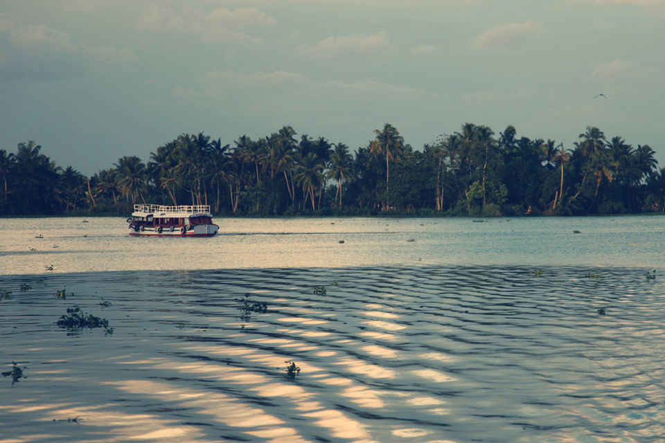 Head To Vembanad Lake To Escape The Chaos Of Your City Life