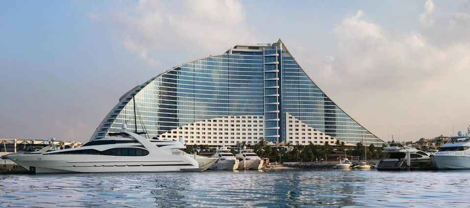 Why Your Vacation In UAE Cannot Be Complete Without A Stay At The Luxurious Jumeirah Hotels in Dubai