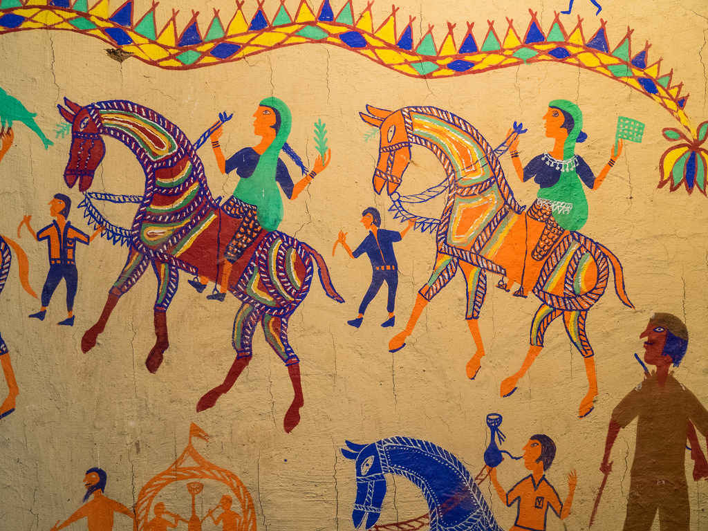 Tribal Paintings Top Places To Visit To See Tribal Paintings Of India Tripoto