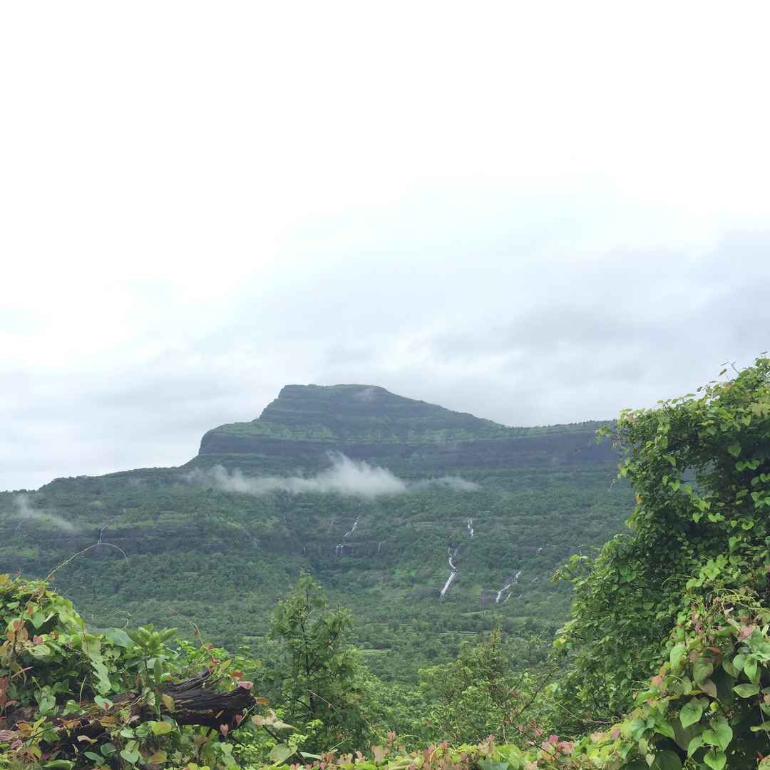 High and wet - A fort to remember, Raigad #maharashtratreks