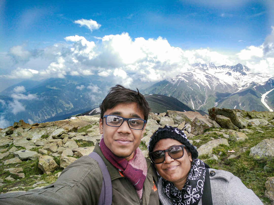 Kashmir - The Breathtaking Paradise on Earth #SelfieWithAView #TripotoCommunity.