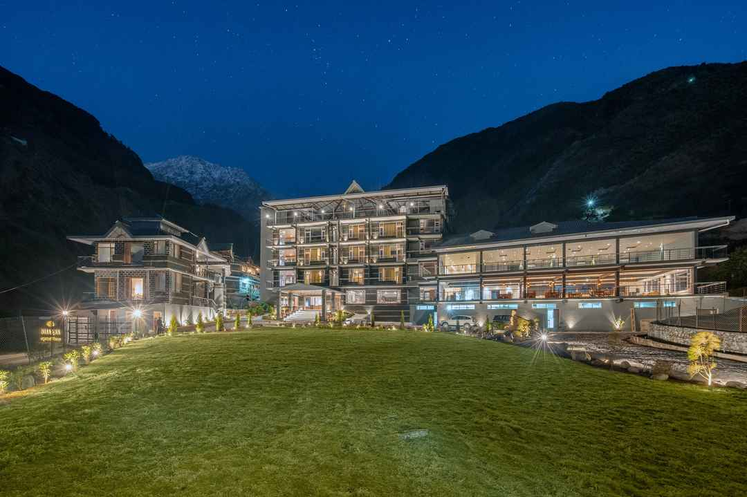 Indulge Your Senses At The Luxurious Getaway In The Lap of The Himalayas