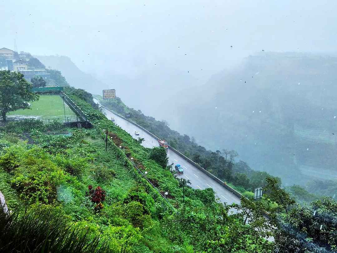 A misty holiday around the hills of Khandala