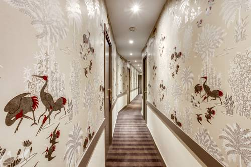 20 Best Hotels In Paris Under Rs. 12,000 For A Romantic Rendezvous