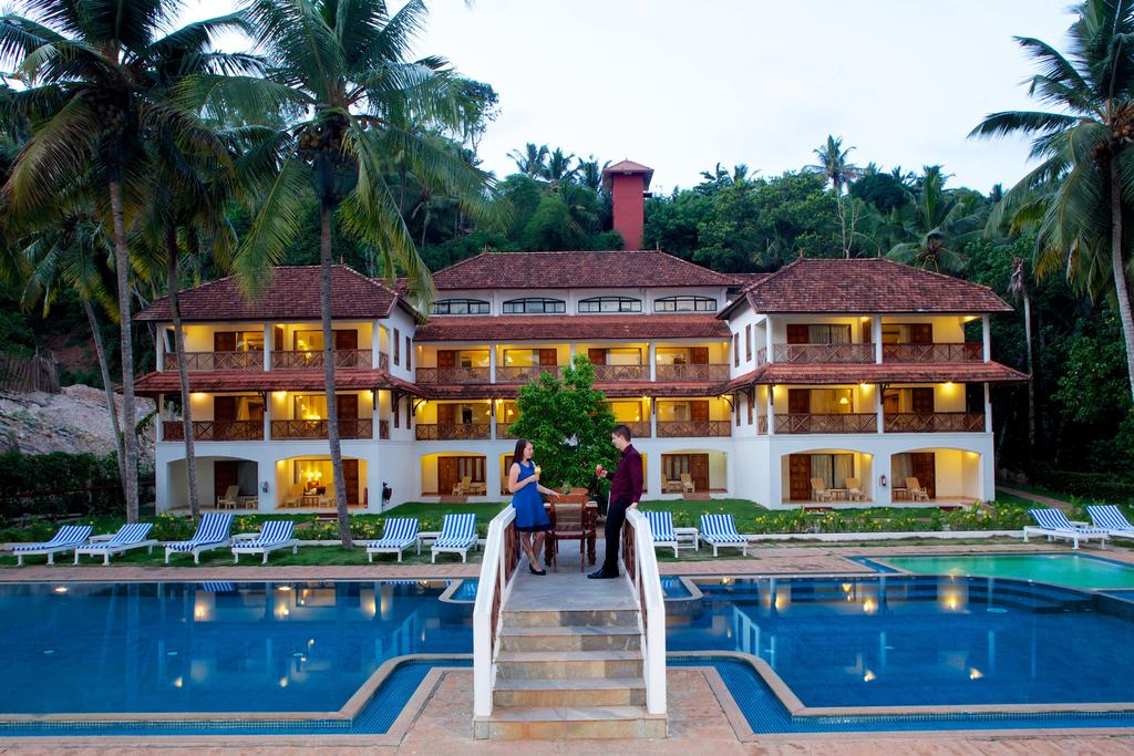12 Beachfront Hotels In Kovalam For A Fun Family Stay