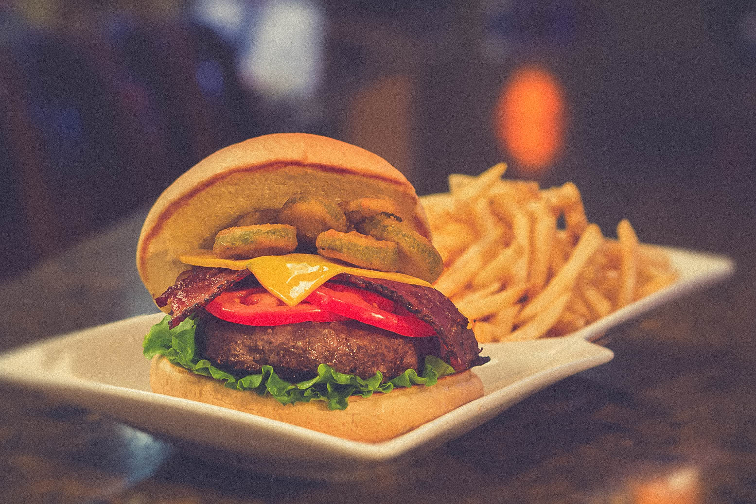14 Incredibly Delicious Late Night Eateries You Should Eat At To Satisfy Your Midnight Cravings!