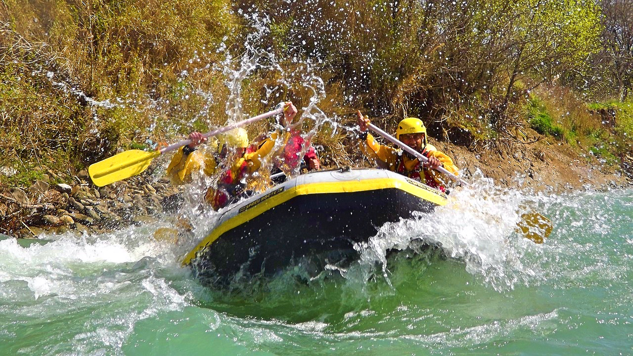 8 Rafting Destinations In India That Are Not Rishikesh