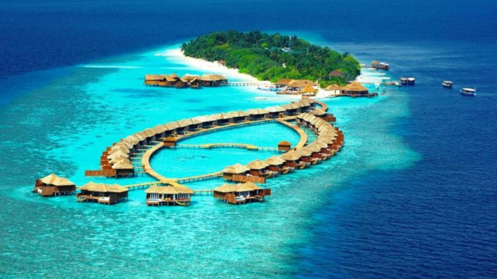 Maldives A Journey To Paradise Without Burning A Hole In Your - Island resort maldives definition paradise