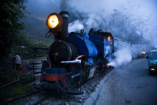 Photo of 8 Mesmerizing Train Journeys in India That Will Leave You Spellbound 7/8 by Disha Kapkoti